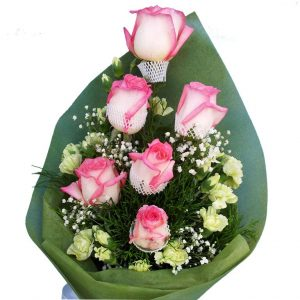 Special pink roses in a bouquet, close up