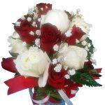Red & White Roses Vase close